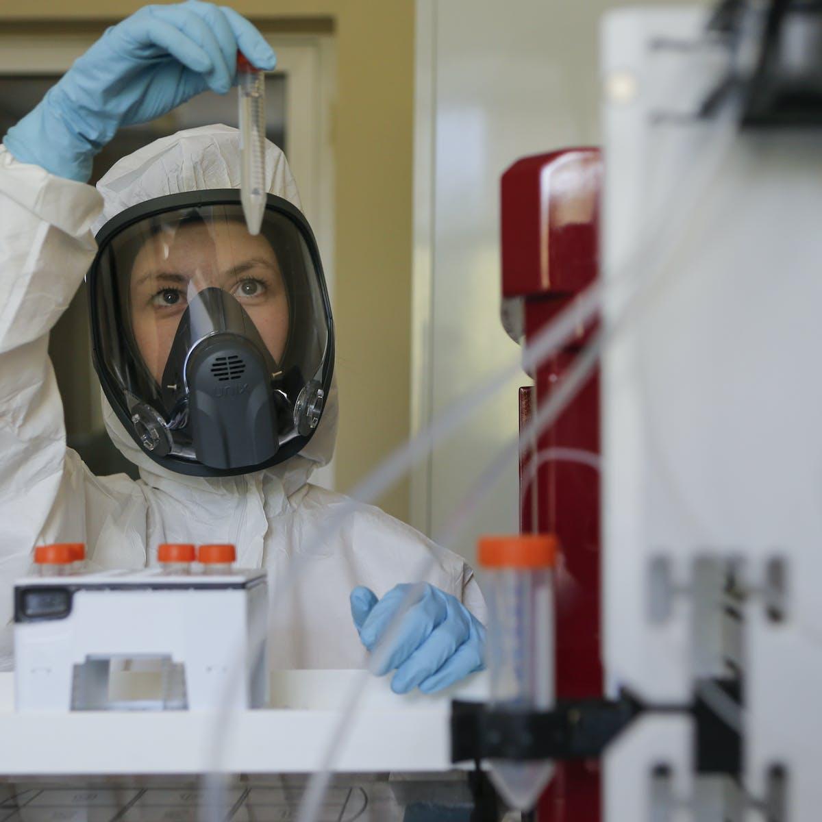 Covid-19 : pourquoi la précipitation russe à sortir un vaccin pose problème