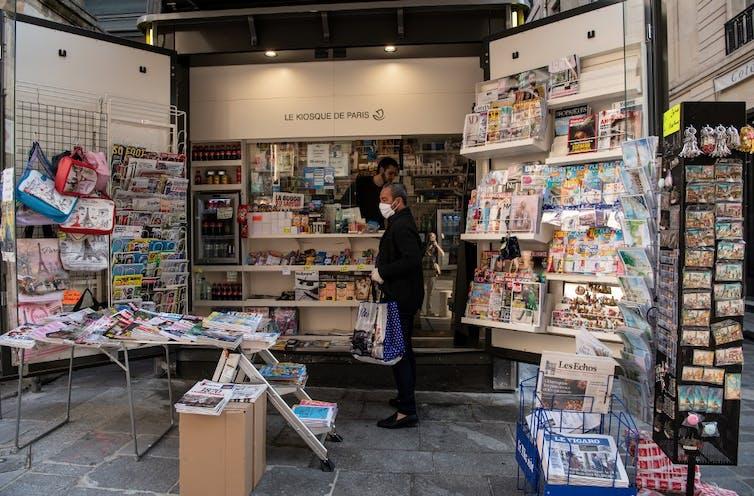 Kiosquier à Paris le 9avril.