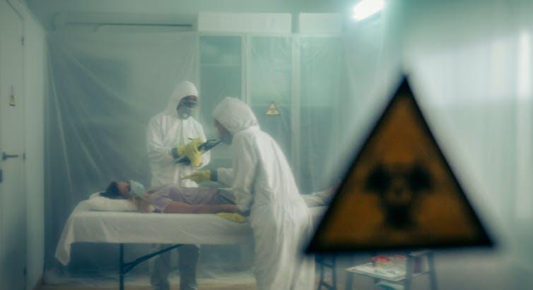 Ébola y SARS-CoV-2: así son los dos virus protagonistas de la última década