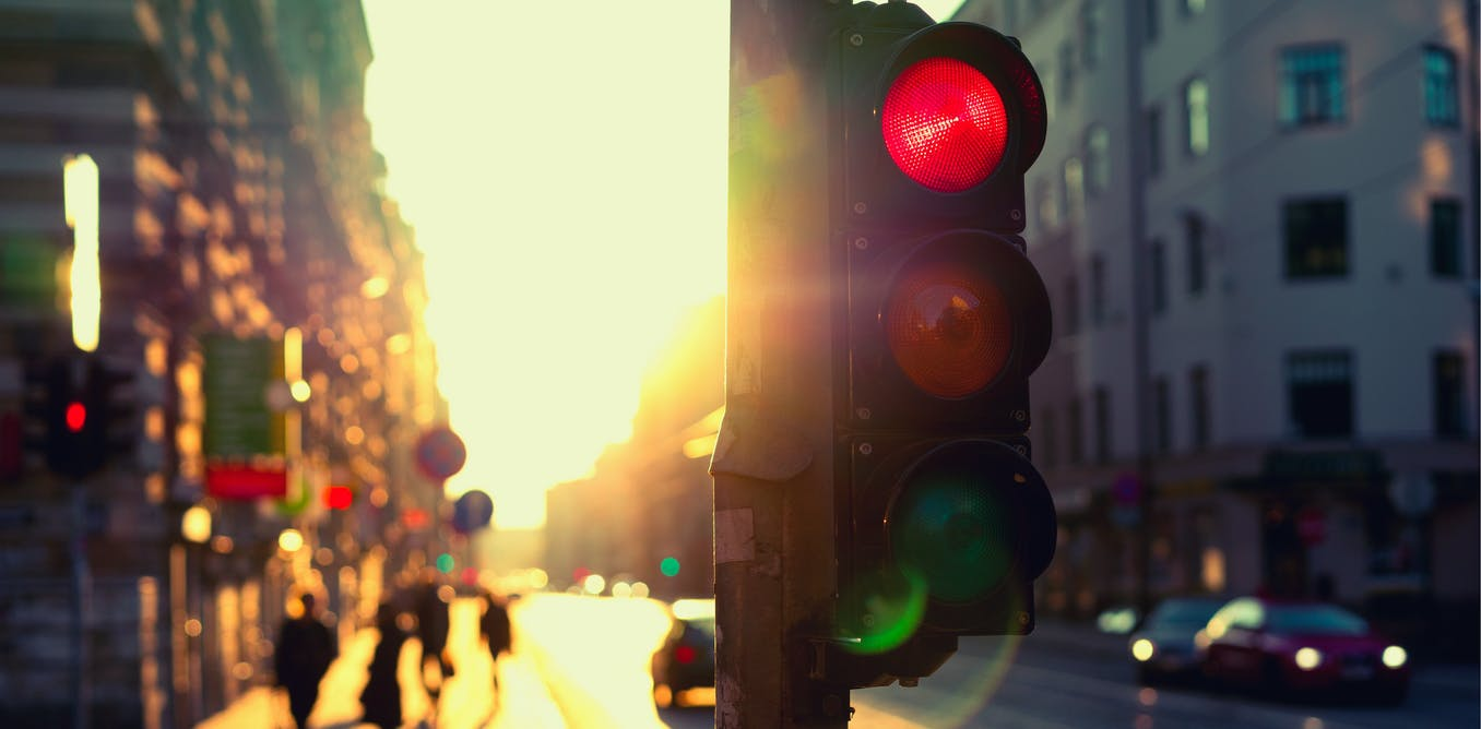 Could traffic-light alerts help Victoria exit lockdown safely?