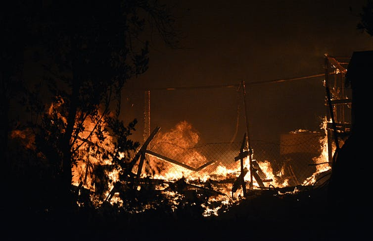 Fire destroys Moria migrant camp.