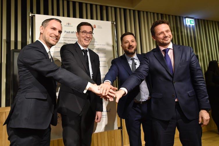Les maires de Prague, Budapest, Bratislava et Varsovie prennent la pose ensemble