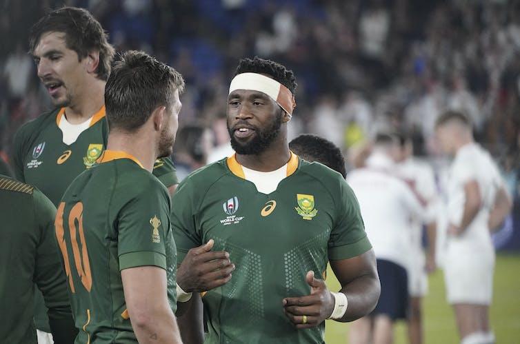 Siya Kolisi captain of South Africa wearing a head bandage.