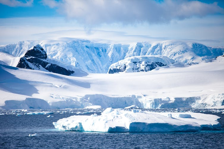 Image of Antarctic landscape
