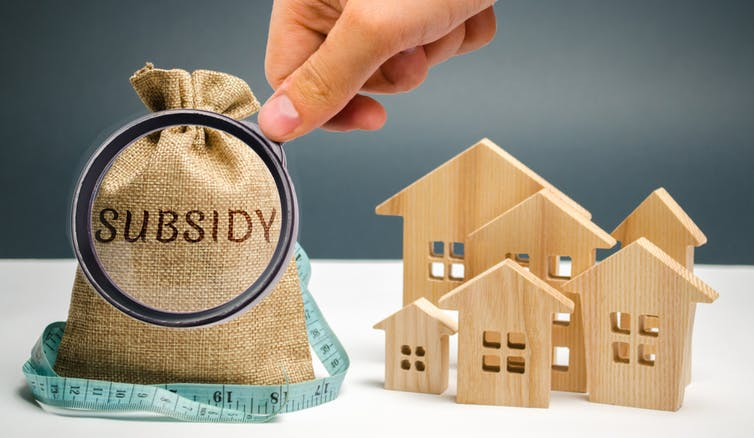 Subsidy bag under the magnifying glass