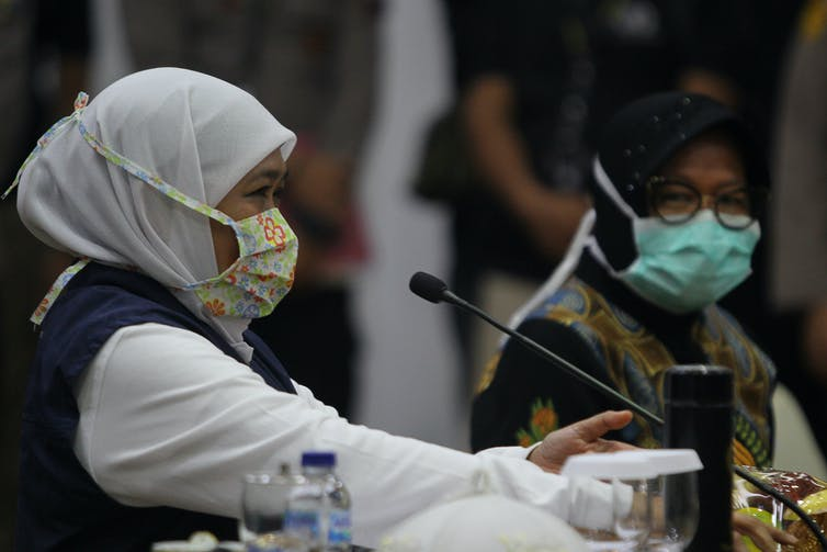 Gubernur Jawa Timur Khofifah Indar Parawansa dan Wali Kota Surabaya Tri Rismaharini