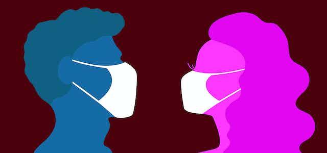 Ilustración de perfiles de hombre y mujer mirándose de frente con mascarillas blancas.