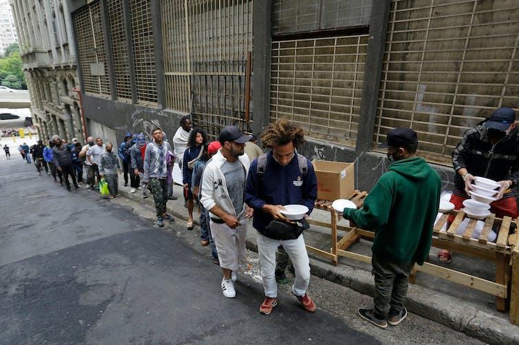 COVID-19: Ninguna epidemia ha afectado más a los ricos que a los pobres