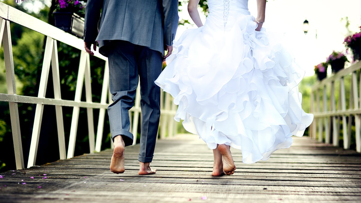 Set Ground Rules And Keep It Intimate 10 Tips For Hosting A Covid Safe Wedding