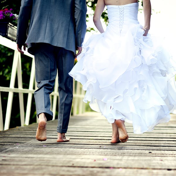 Set ground rules and keep it intimate: 10 tips for hosting a COVID-safe wedding
