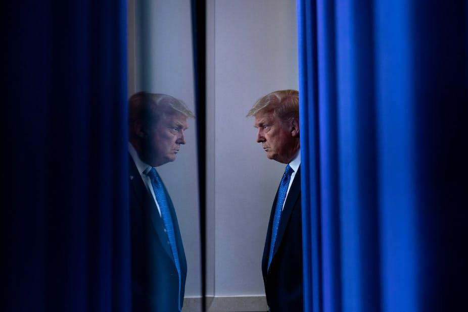 Donald Trump face à son reflet