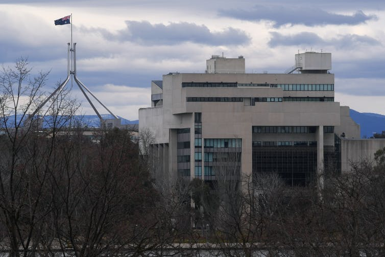 High Court, with Parliament House in background.