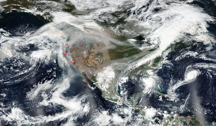 Satellite photo of U.S. with western smoke plume blowing east