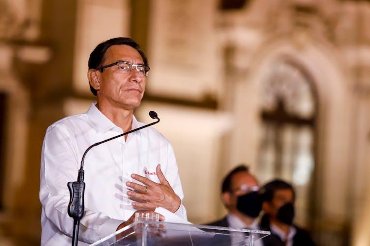 Martín Viscarra, presidente de Perú, anunciando su renuncia, 9 de noviembre de 2020.
