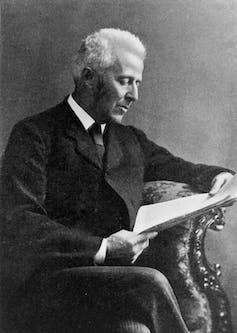 Joseph Bell.Wikimedia Commons / J.M.E. Saxby