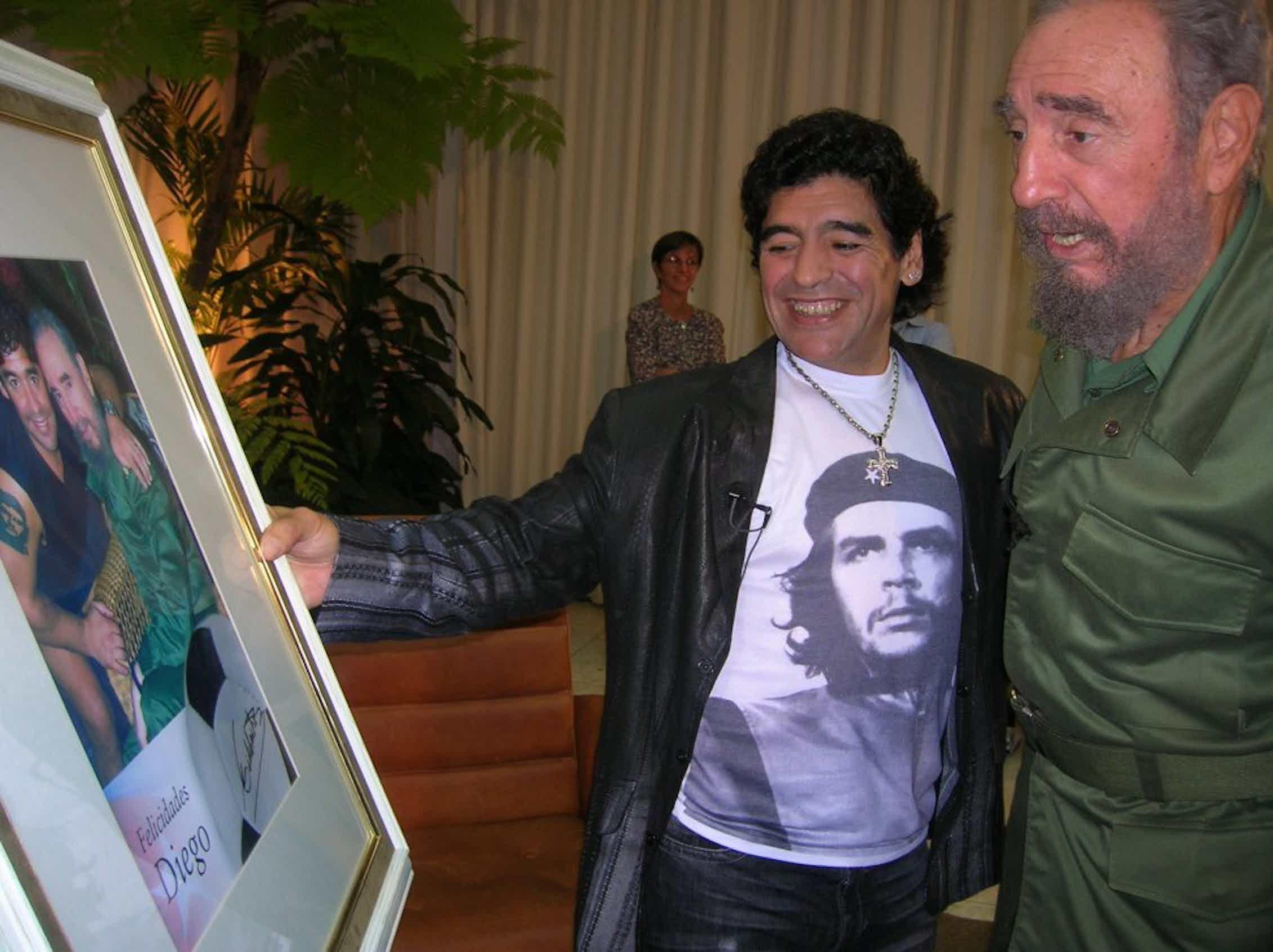 Maradona con Fidel Castro en 2006.