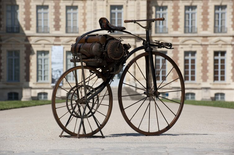 Antique motocycle