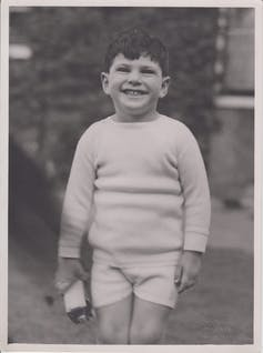 Black and white photo of young boy, who would become neurologist Oliver Sacks
