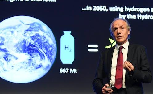 Australia's Chief Scientist Alan Finkel speaking on stage.