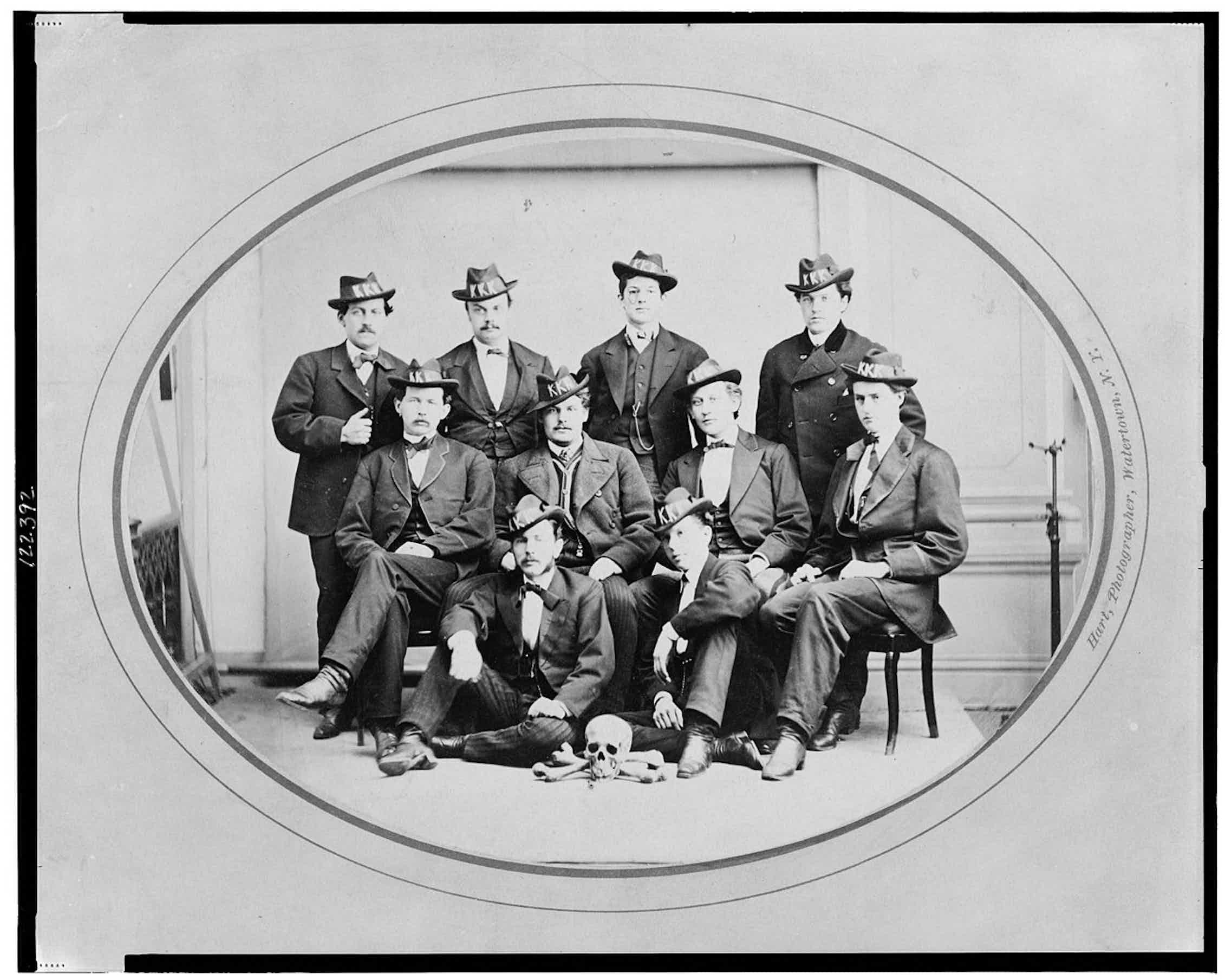División Watertown del Ku Klux Klan. Foto de Hart, 1870.Wikimedia Commons / Library of Congress