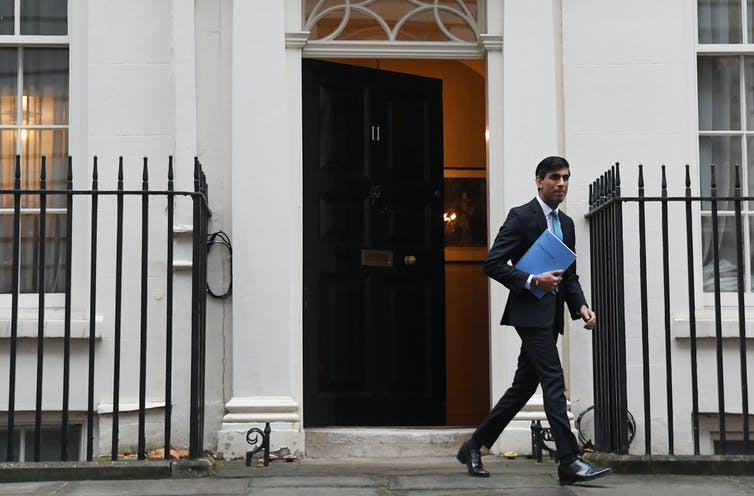 Rishi Sunak leaving 11 Downing STreet