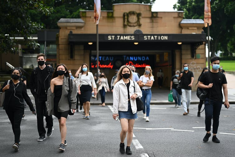 Sydney commuters wearing masks