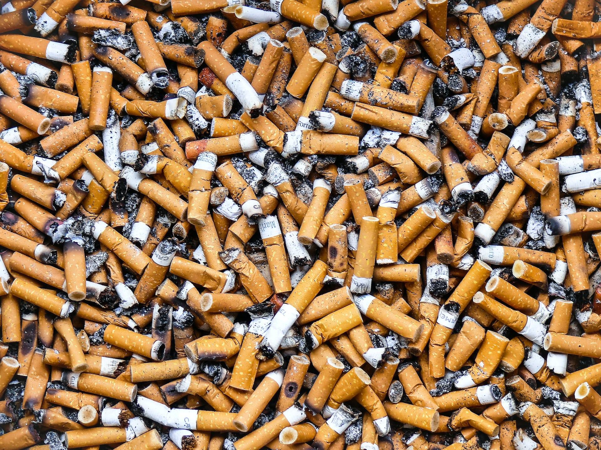 המעשנים העזתים מצאו דרך להכות את חמאס בכיס