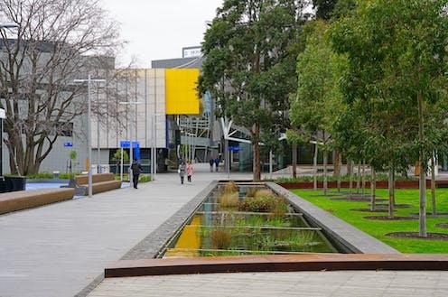 Monash university campus grounds