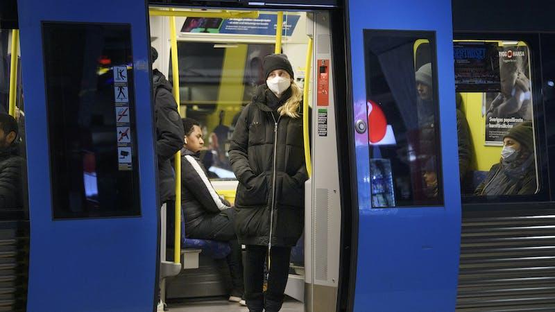 Covid-19: ¿Por qué hay localidades suecas que están prohibiendo el uso de mascarillas?