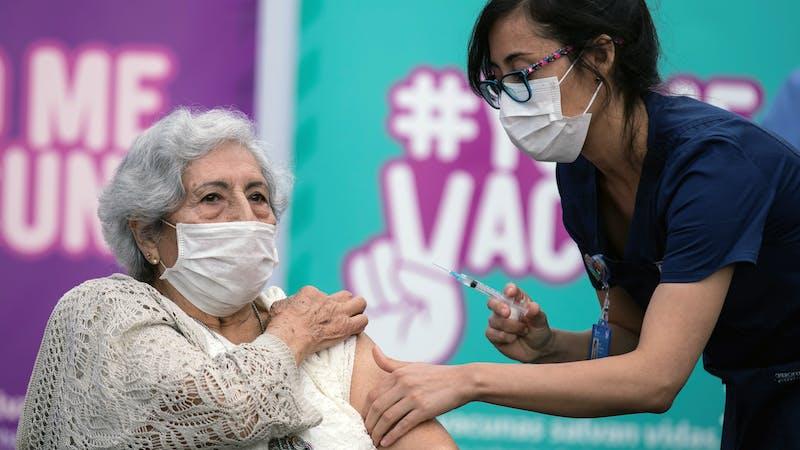 Cómo Chile se convirtió en un improbable ganador en la carrera de la vacuna covid-19