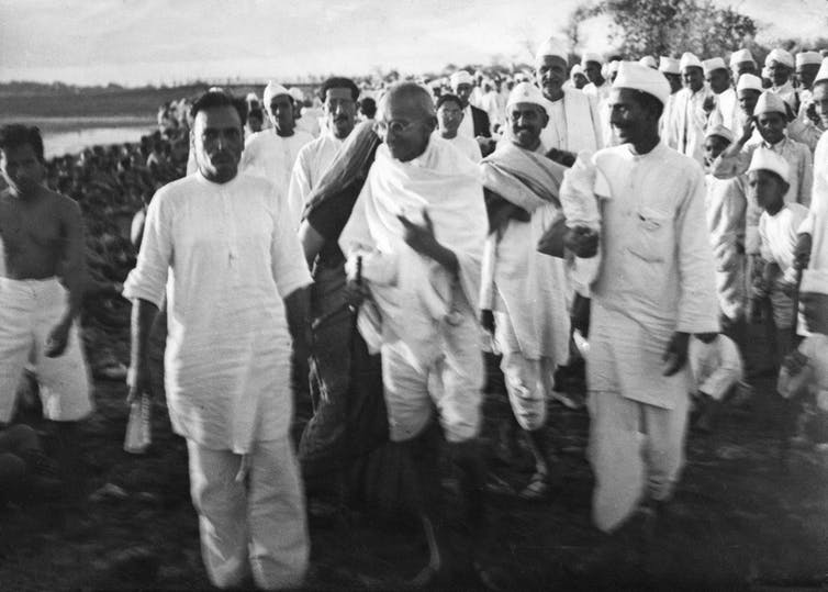 Mahatma Gandhi, salt march, April 6, 1930, Dandi, India