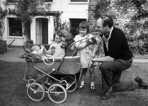 Roald Dahl with his wife Patricia Neal and children Olivia, Tessa and Theo