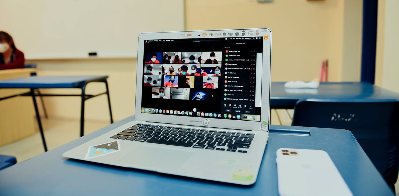 Open educational resources for emergency remote teaching – a new paradigm?