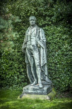 Statue of Sir Robert Peel