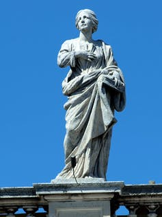 statue of woman