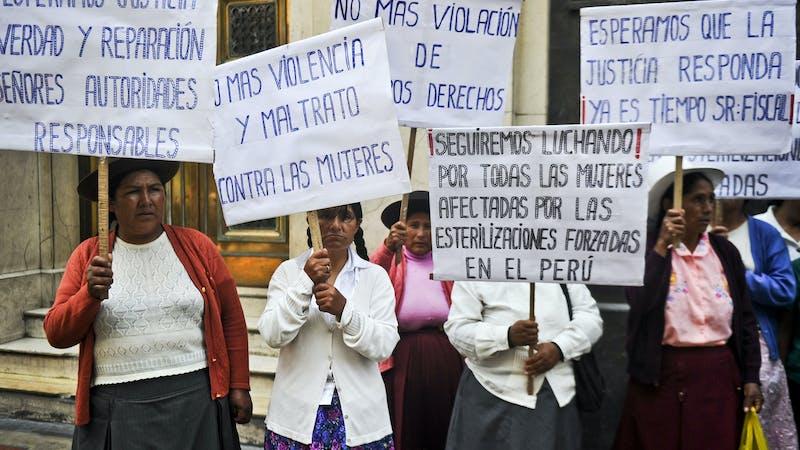 Miles de mujeres peruanas demandan justicia tras ser esterilizadas a la fuerza durante el régimen de Fujimori