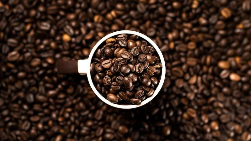 ¿Mejora la cafeína nuestro rendimiento?