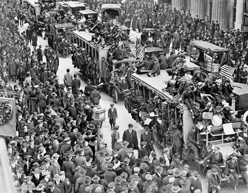 triumphant 1918 crowds in the street