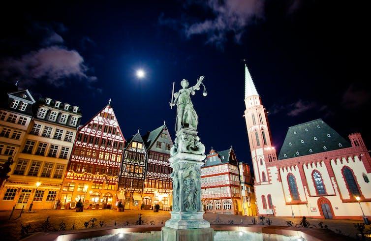 Lady Justice statute in Frankfurt.