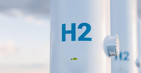 """A storage tank with """"H2"""" sign"""