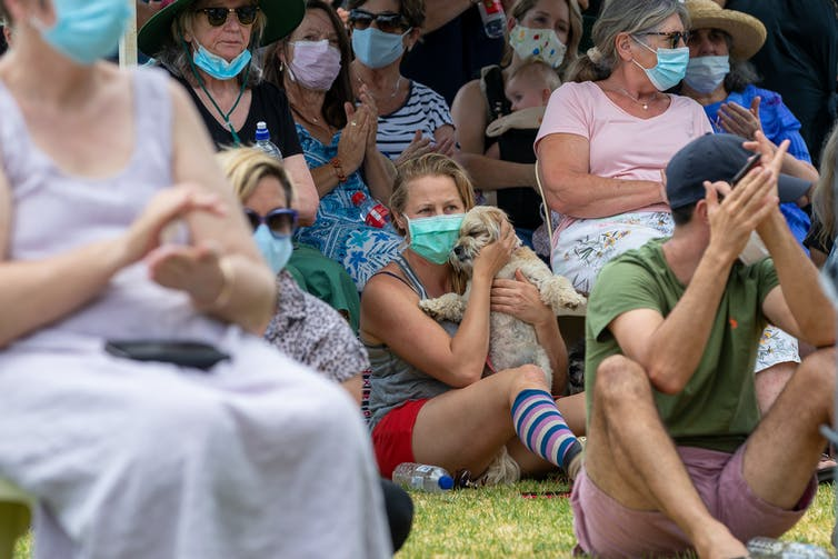 Perth residents at an evacuation centre during a bushfire