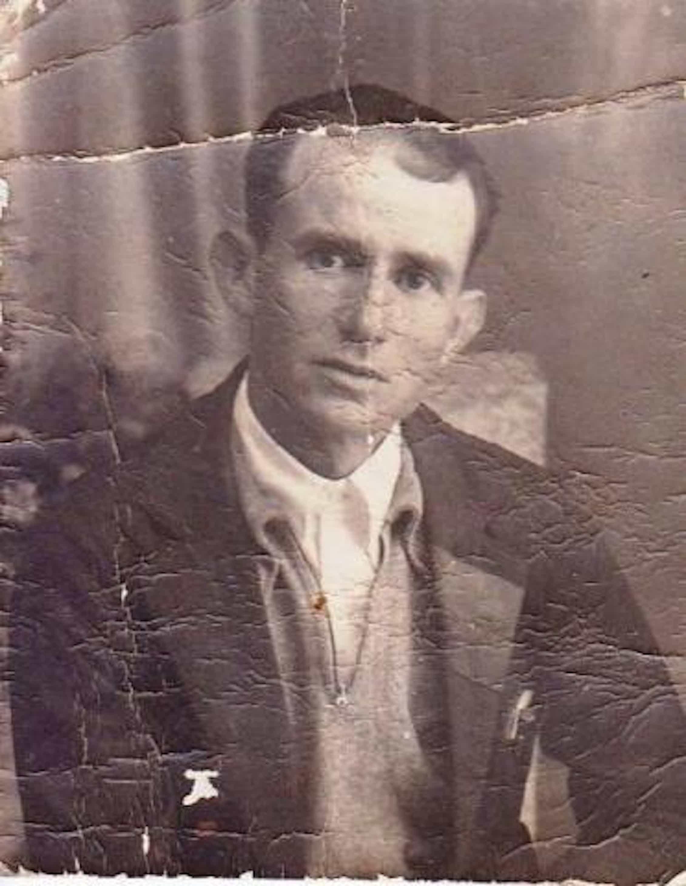 Manuel Alba Blanes, último alcalde republicano de Almodóvar del Río.Todos los nombres