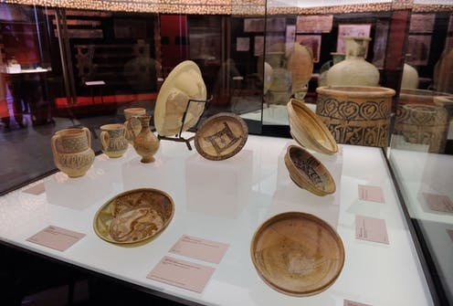 Museum display of ceramic wares.