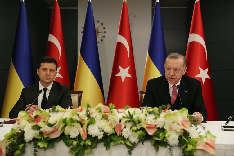 Ukraine's president Vlodomir Zelensky and Turkish president Recep Tayyip Erdoğan at a joint press conference in Istanbul, Turkey on Aprile 12, 2021.