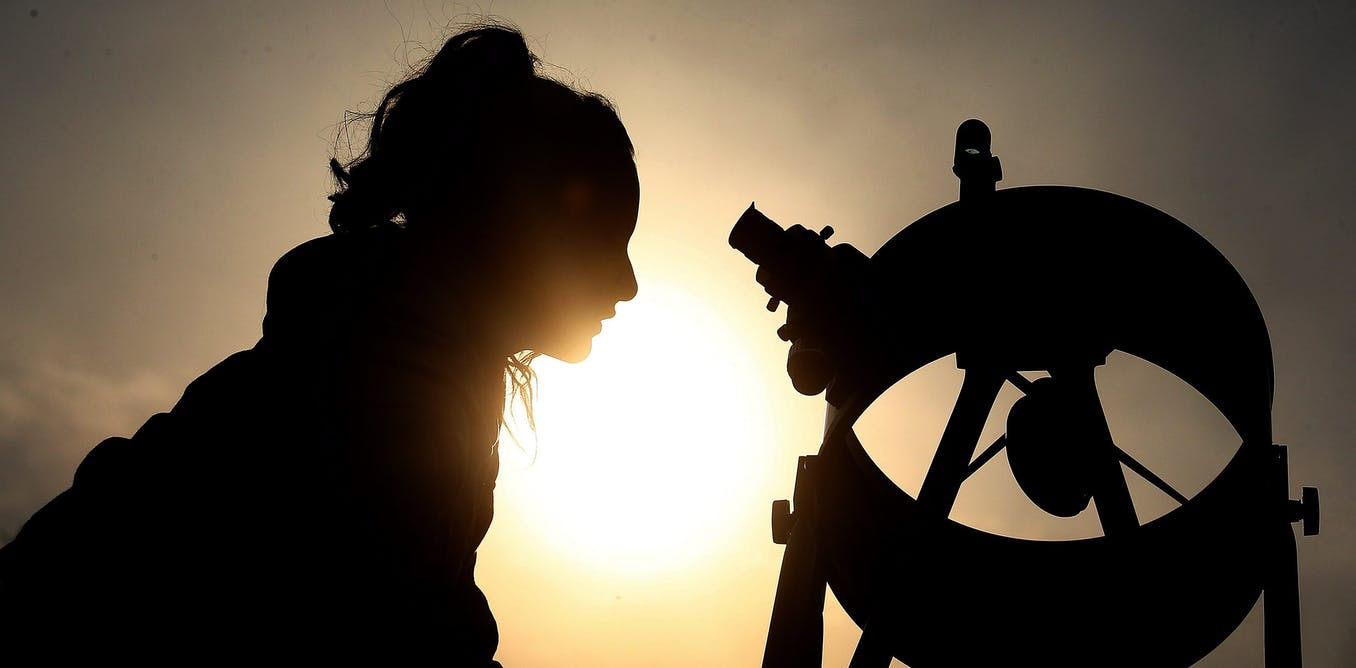 Do you look at the stars or fall by the wayside?  How astronomy fails female scientists