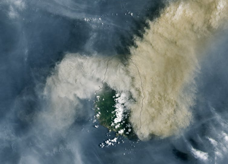 Satellite images of the La Soufriere volcano.
