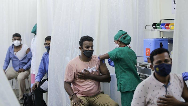 Covid-19: Por qué los contagios diarios en la India superan ya a los de Brasil y Estados Unidos