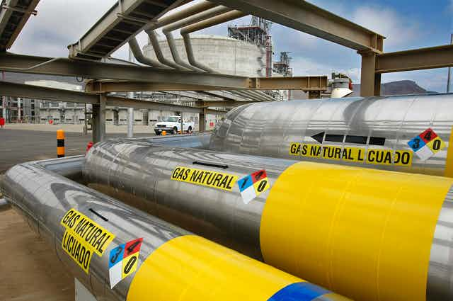 Natural gas pipelines and  a circular storage facility