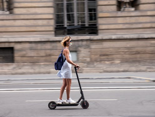 Vélos et trottinettes sans ancrage à Montréal : comment mieux gérer la «  mobilité durable »