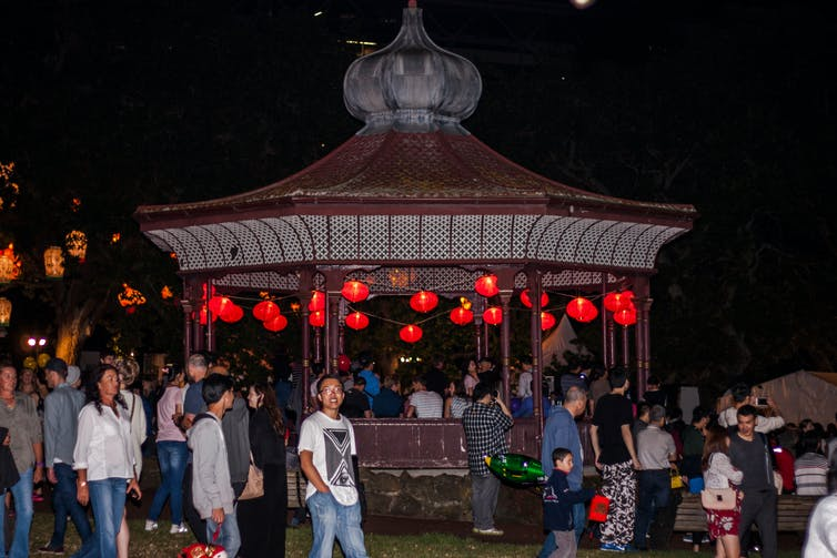 Lanterns in band rotunda and people